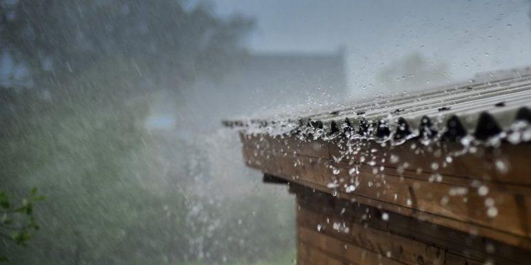 Dach bei Sturm und Hagel schützen