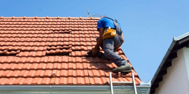 Schäden am Dach reparieren