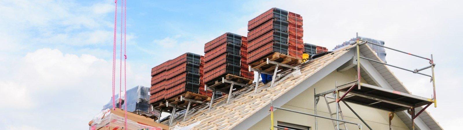 Dacheindeckungen: Verschiedene Materialien, verschiedene Kosten