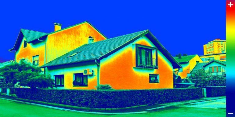 Thermografie-Aufnahme eines Einfamilienhauses