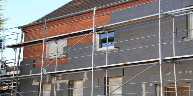 Nachbarrechtsgesetz für Fassadendämmung