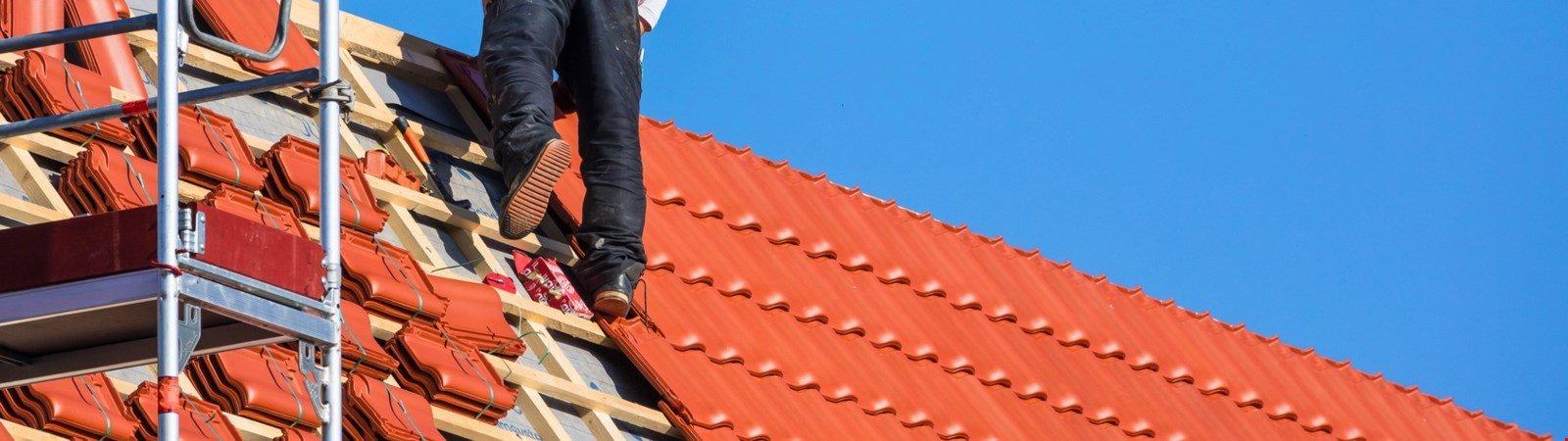 Kosten Dachsanierung: Kosten, Optionen und Fördermittel