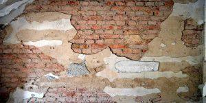 Feuchte Kellerwände