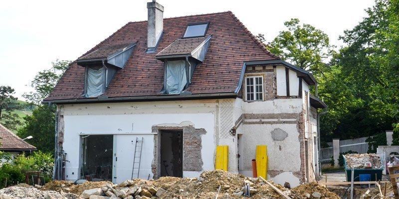 Wenn Häuser in die Jahre kommen, ist eine Sanierung fällig